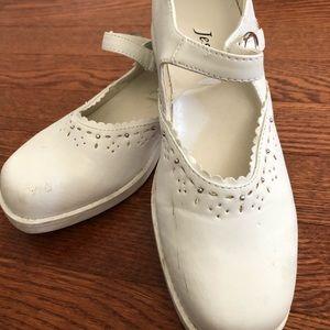 Jessie white kids shoe